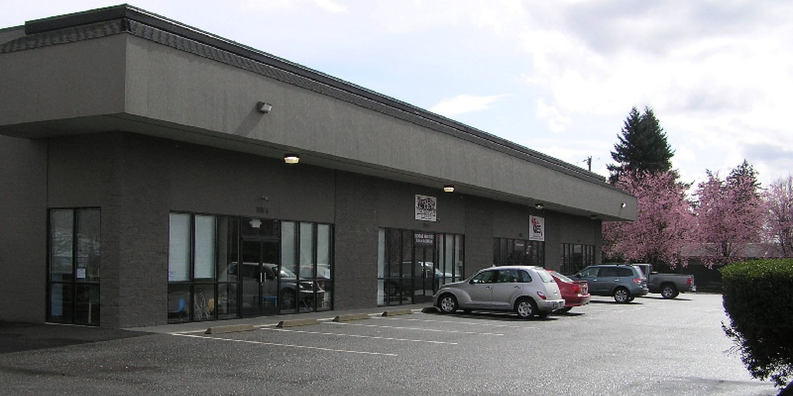 3,900 SF Ind Unit Fruit Valley Rd.