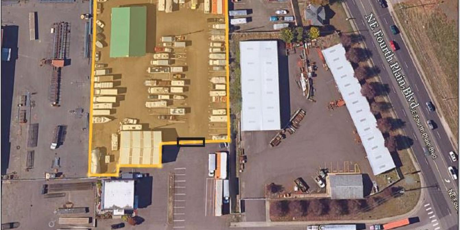 3,224 SF Bldg 4,250 SF Storage 1.35 AC  LEASE
